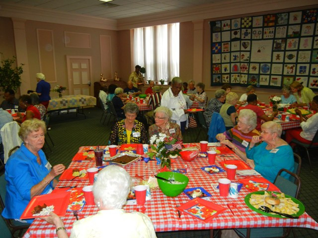 more of the Auxiliary eating lunch